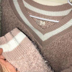V neck fluffy sweater